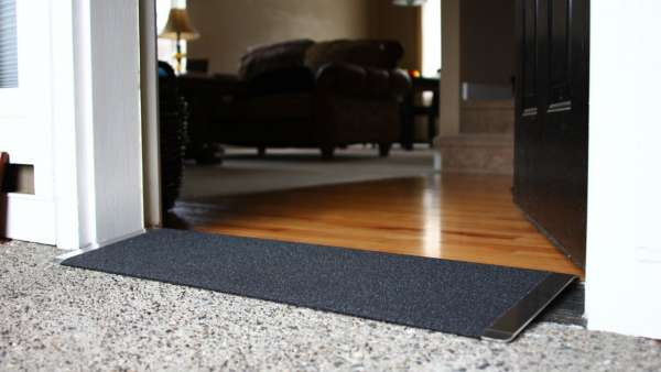 TRANSITIONS® Angled Entry Plate 08