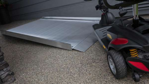 GATEWAY™ 3G 09 Solid Surface Portable Ramp